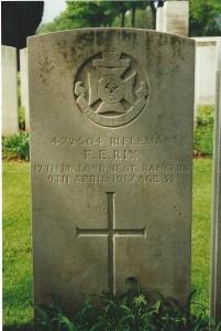 Grave of Frank Ellis Rix. London Cemetery, Neuville-Vitasse