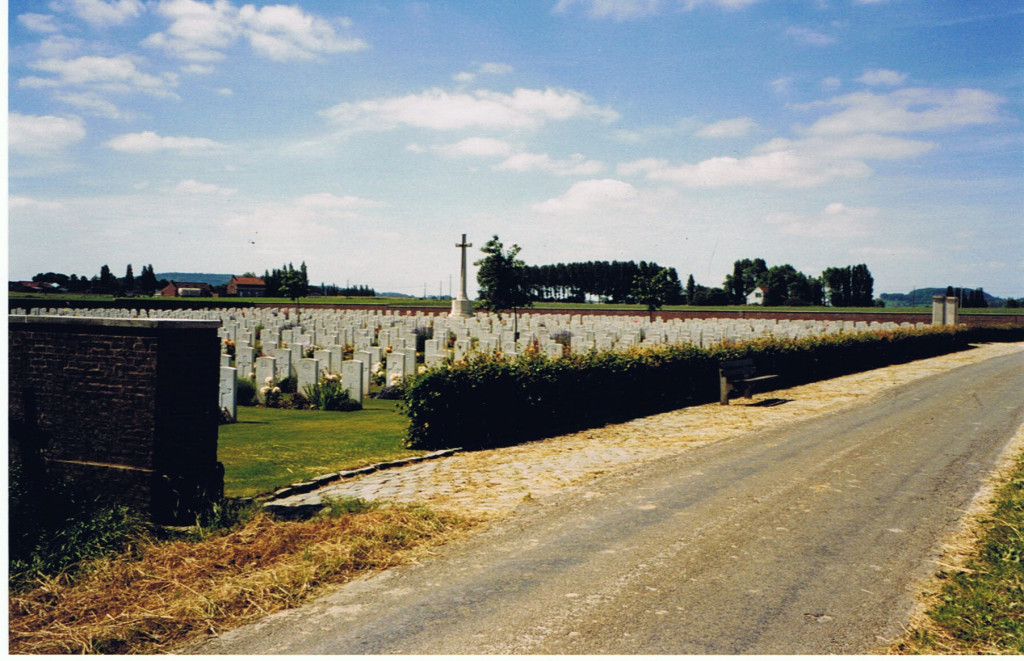 The Huts Cemetery, Ieper